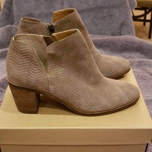 EUC Lucky Brand sueded leather booties sz 9.5